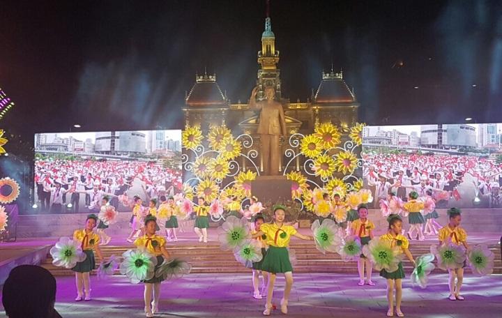 Kết quả hình ảnh cho sự kiện lễ kỷ niệm 2017